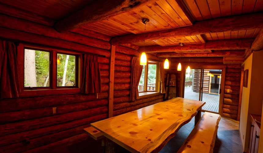 yosemite_gateway_chalet_vacation_rental_california_dining_room_gallery_1