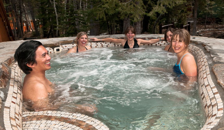 yosemite_gateway_chalet_vacation_rental_california_outdoor_hydrotherapy_pool_gallery_2