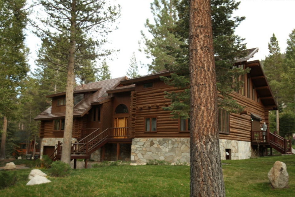 yosemite_gateway_chalet_vacation_rental_california_the_grounds_gallery_3